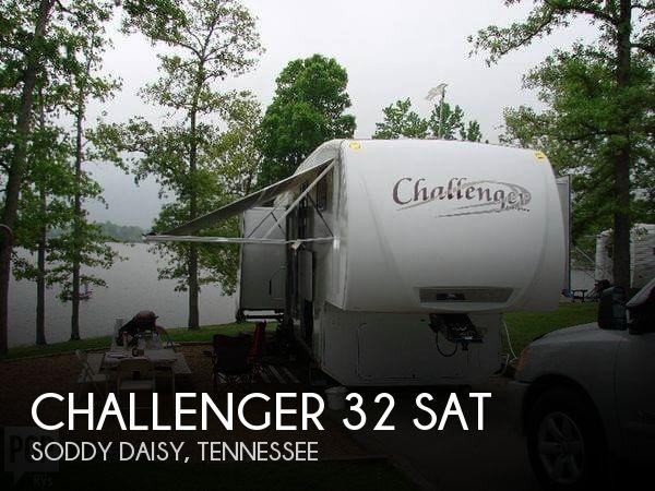 2009 Keystone Challenger 32 SAT