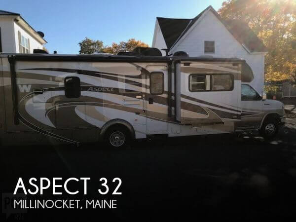 2012 Winnebago Aspect 30C Deluxe