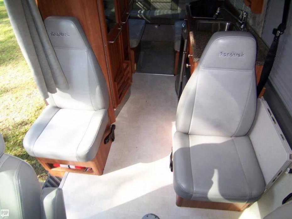 2008 Roadtrek Adventurous RS 22, 6