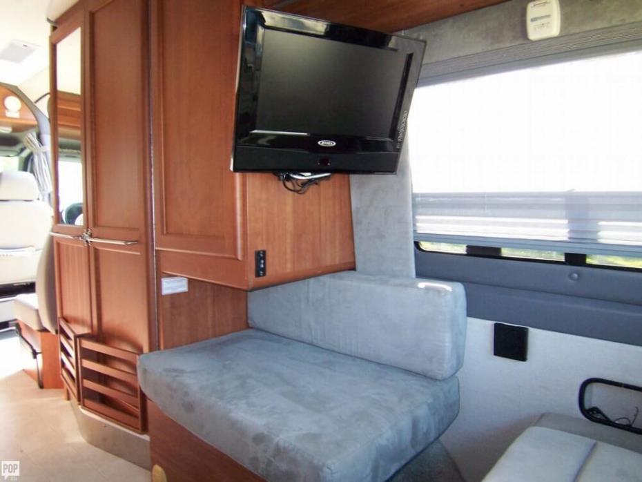 2008 Roadtrek Adventurous RS 22, 10