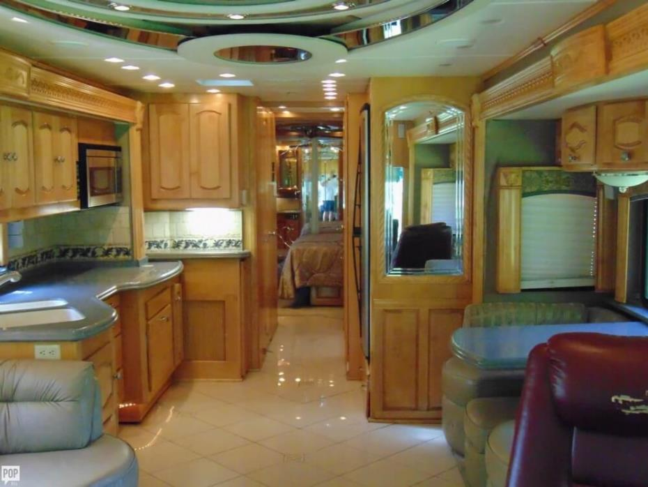 2007 Signature Series (by Monaco) 45 Commander IV, 2