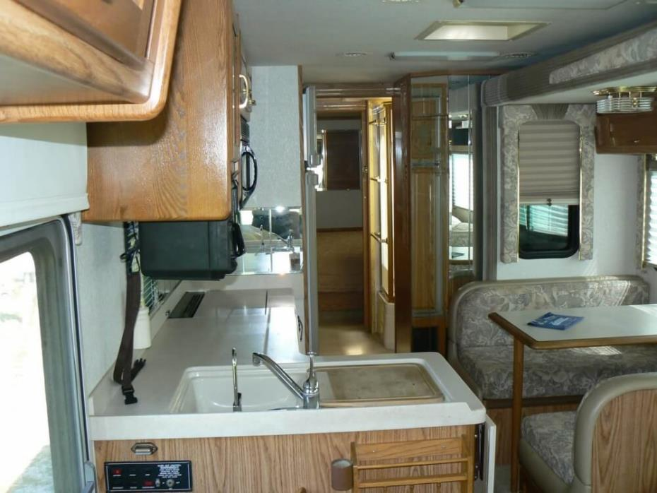 2000 National RV Dolphin 36-5352