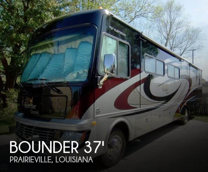 2012 Fleetwood Bounder Classic 36R Coach - King Bed - 2 Heads
