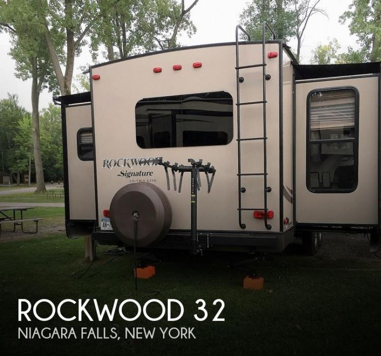 2014 Forest River Rockwood 8325 SS
