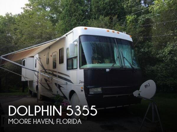 2002 National RV Dolphin 5355