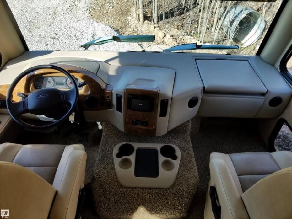 2014 Thor Motor Coach A.C.E. 30.1, 16