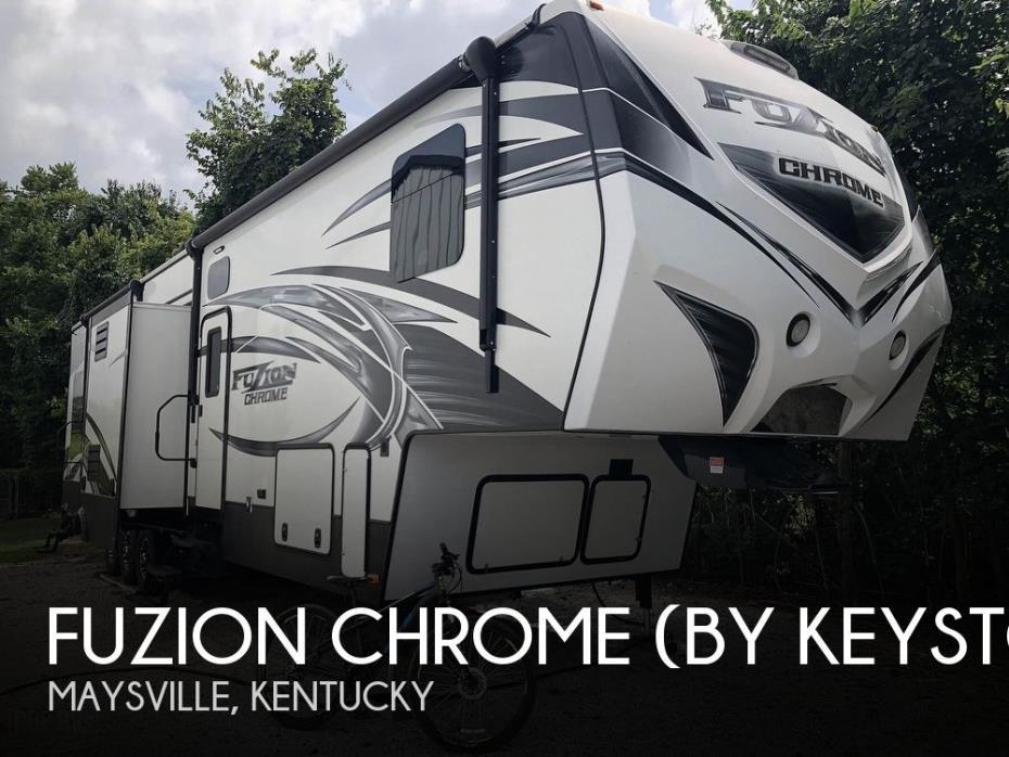 2015 Keystone Fuzion Chrome 390