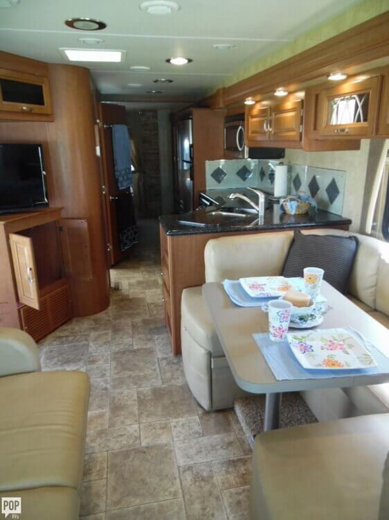 2011 Forest River Georgetown 337 DS, 8
