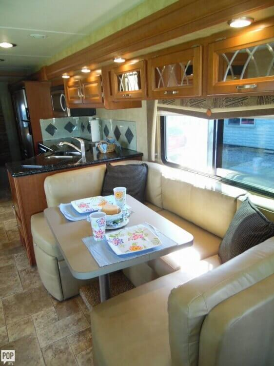 2011 Forest River Georgetown 337 DS, 9