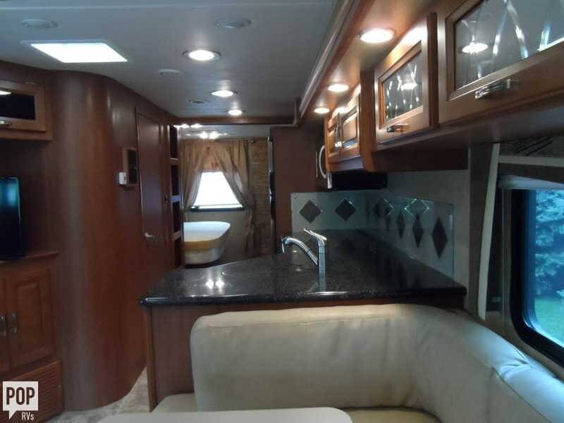 2011 Forest River Georgetown 337 DS, 5