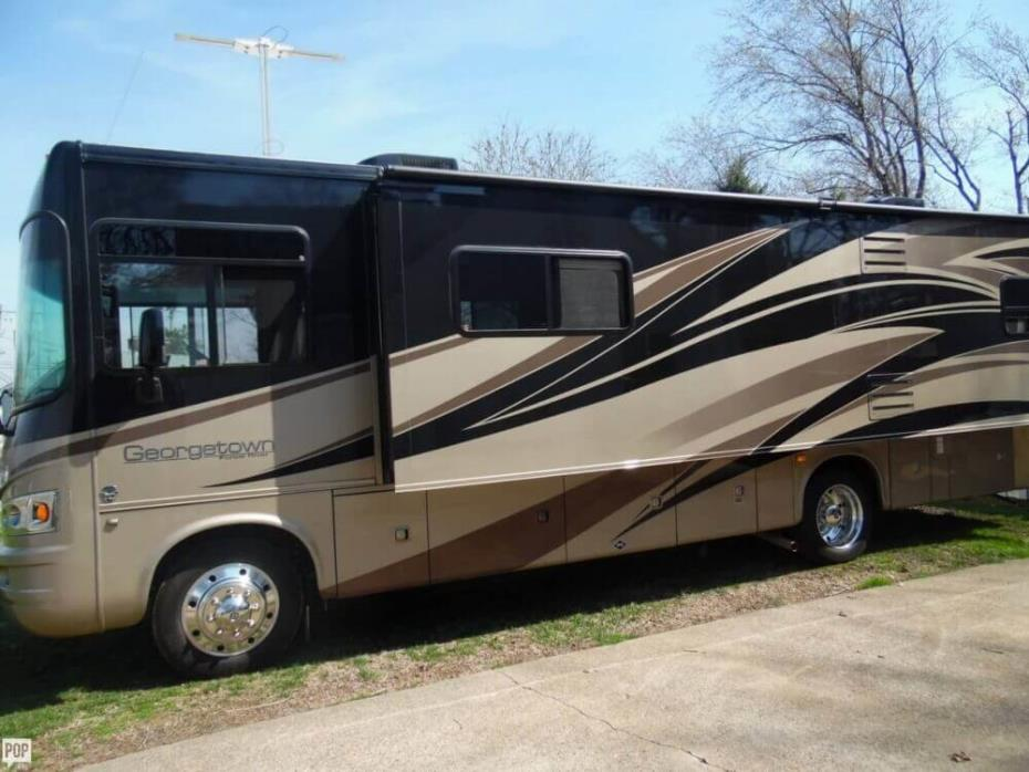 2011 Forest River Georgetown 337 DS, 3