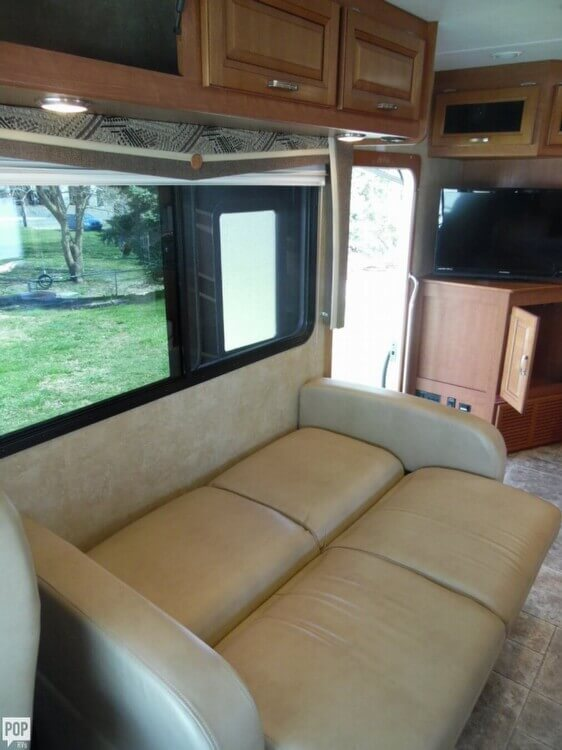 2011 Forest River Georgetown 337 DS, 11