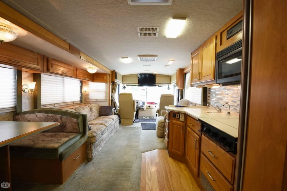 1997 Fleetwood Discovery 36RS