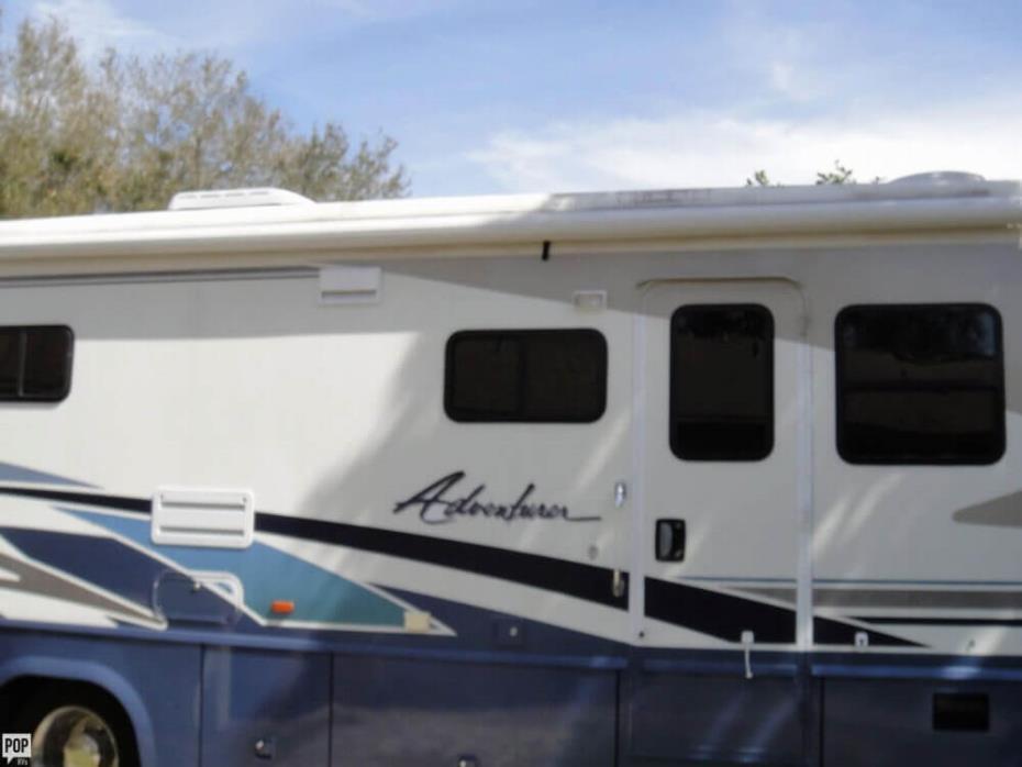 2003 Winnebago Adventurer 33V, 4