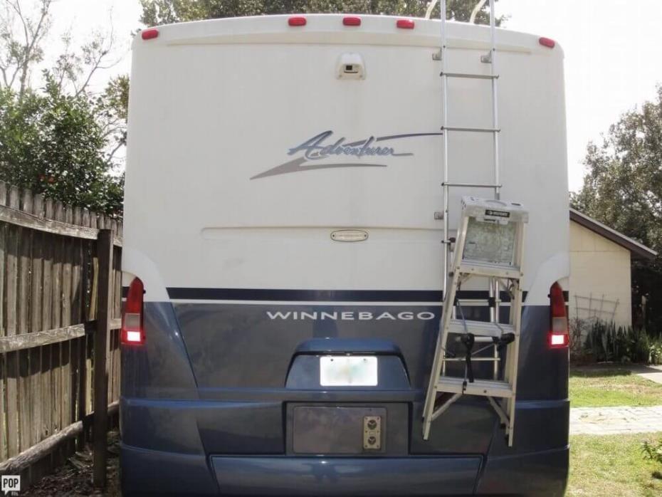 2003 Winnebago Adventurer 33V, 3