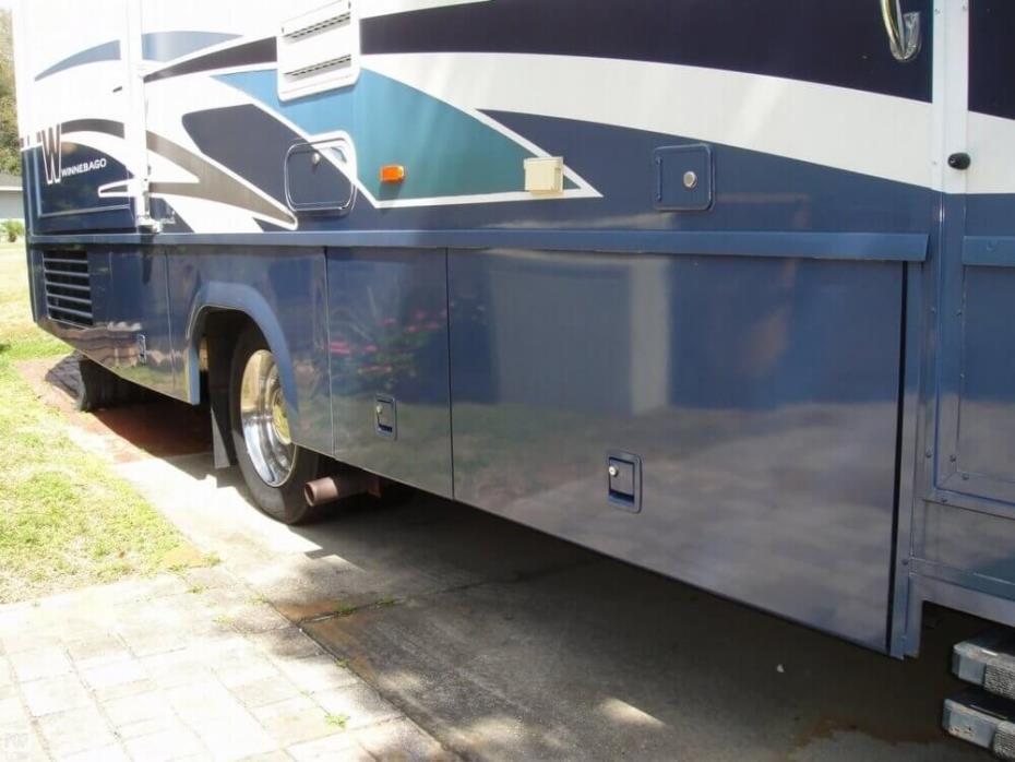 2003 Winnebago Adventurer 33V, 16