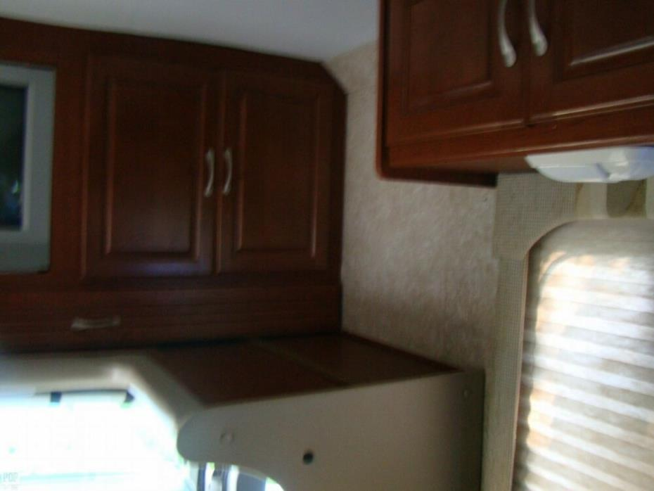2006 Thor Motor Coach Four Winds 31P, 17