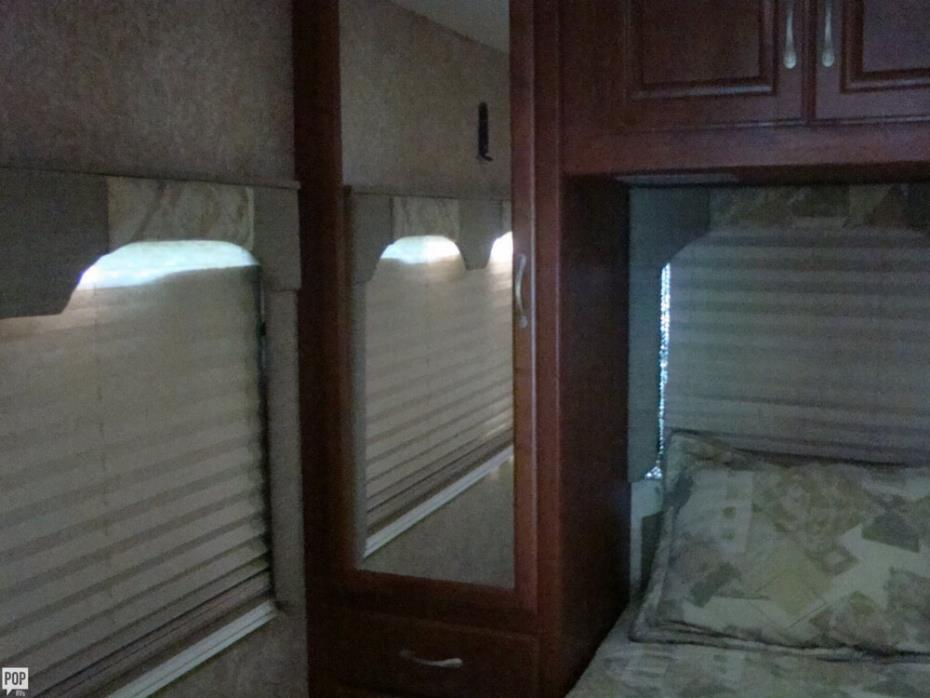 2006 Thor Motor Coach Four Winds 31P, 10