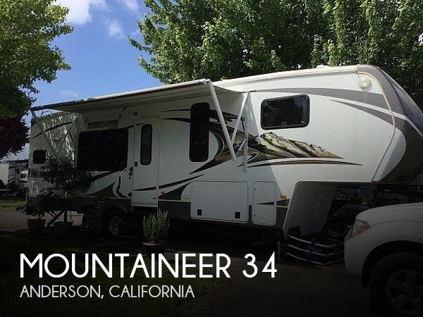 2013 Keystone Mountaineer 295RKD