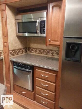 2008 Heartland Landmark 40 Fifth Wheel, 1