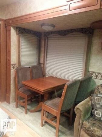 2008 Heartland Landmark 40 Fifth Wheel, 5
