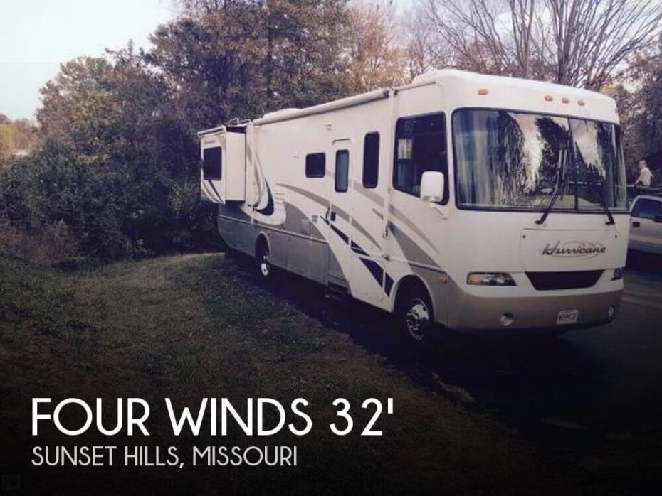 2005 Thor Motor Coach Four Winds Hurricane 32R