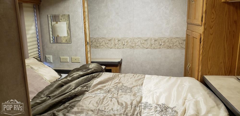 2005 Monaco Monarch SE 30PDD