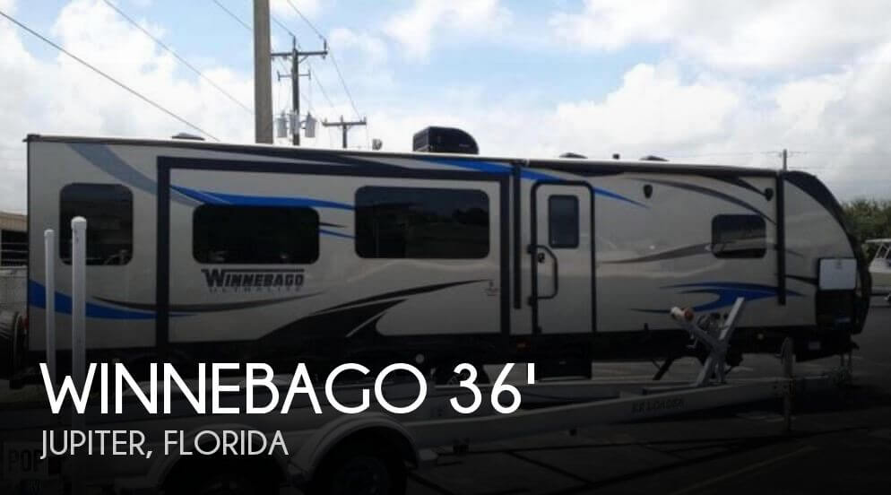 2016 Winnebago Winnebago Ultralite 31RLSS