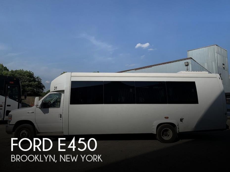 2017 Ford E450