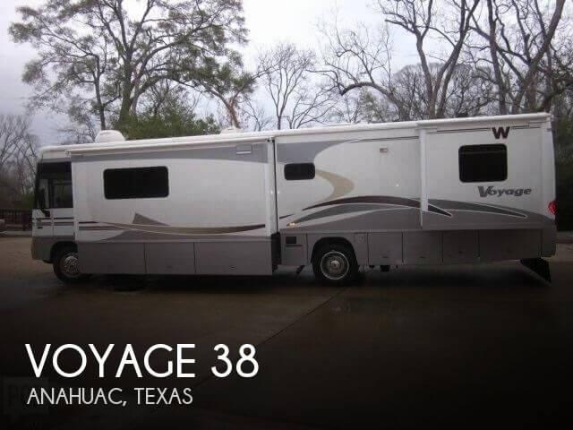 2006 Winnebago Voyage 38J
