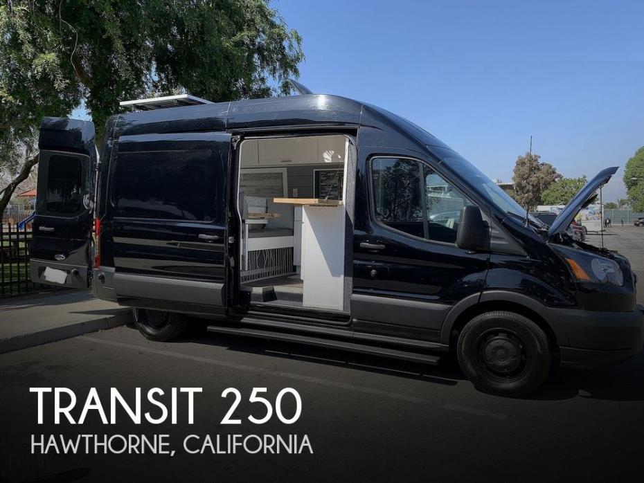 2019 Ford Transit 250 Van High Roof w/Sliding Pass.