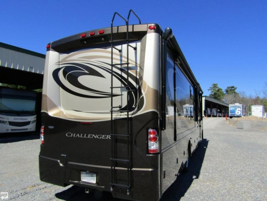 2016 Thor Motor Coach Challenger 37TB Bunkhouse, 4