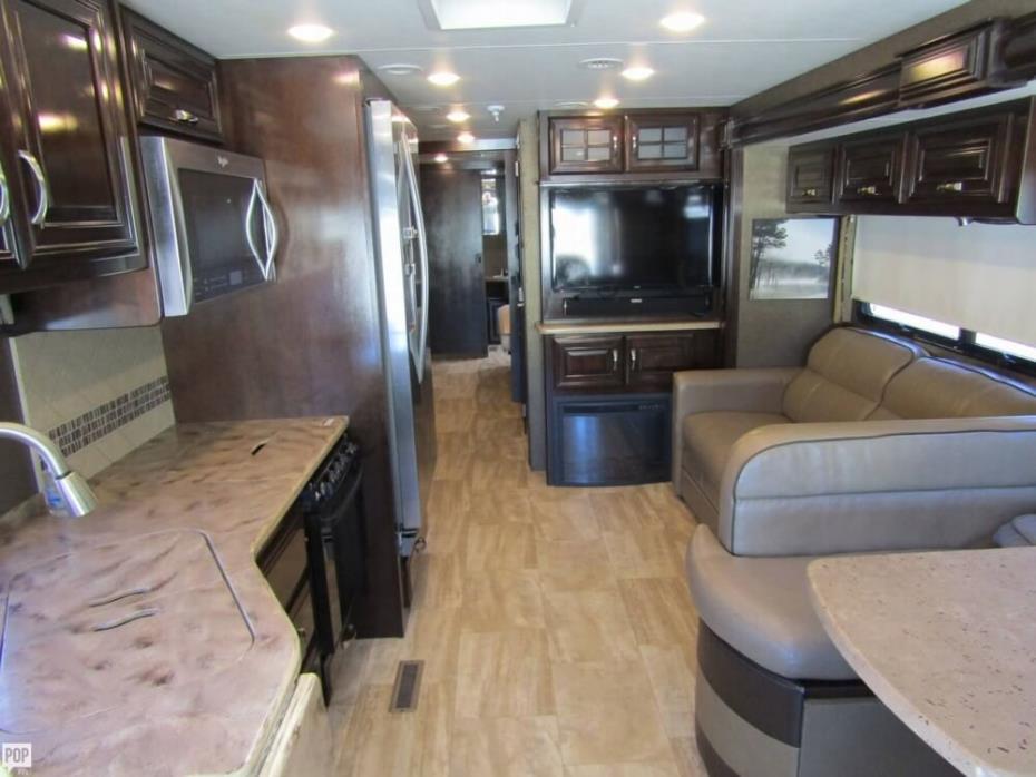 2016 Thor Motor Coach Challenger 37TB Bunkhouse, 6