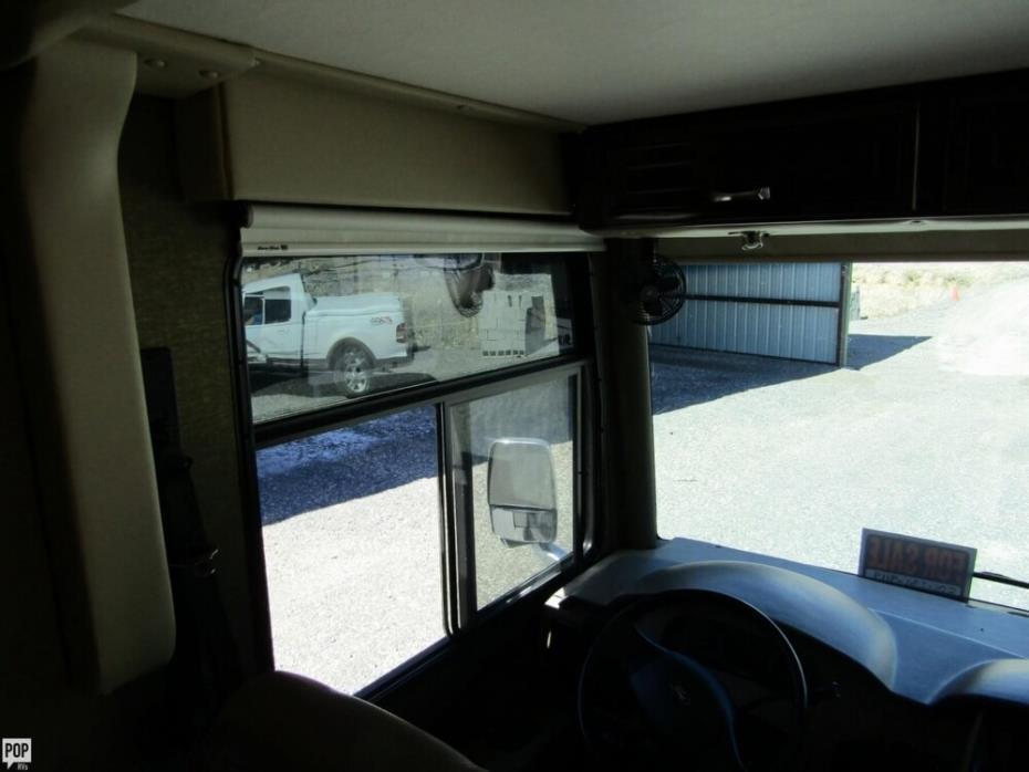 2016 Thor Motor Coach Challenger 37TB Bunkhouse, 10