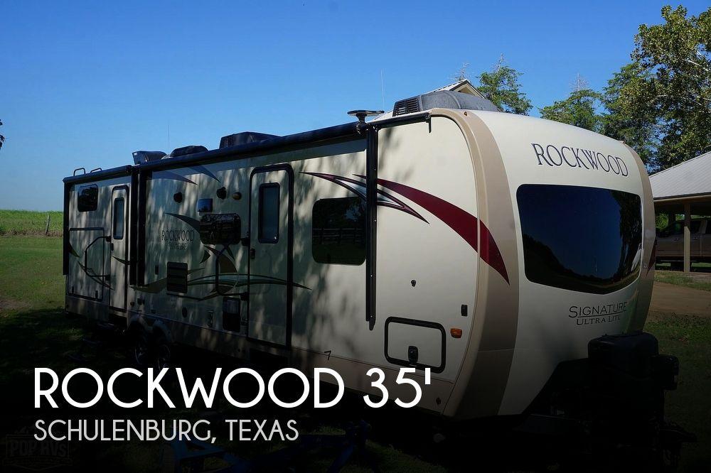 2018 Forest River Rockwood Signature Ultra-Lite 8312SS