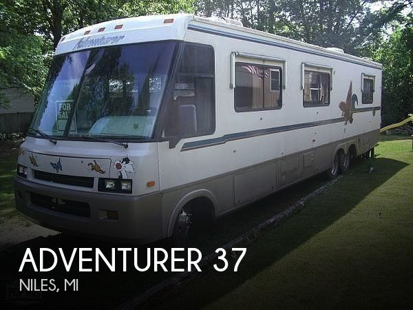 1993 Winnebago Adventurer 37RW