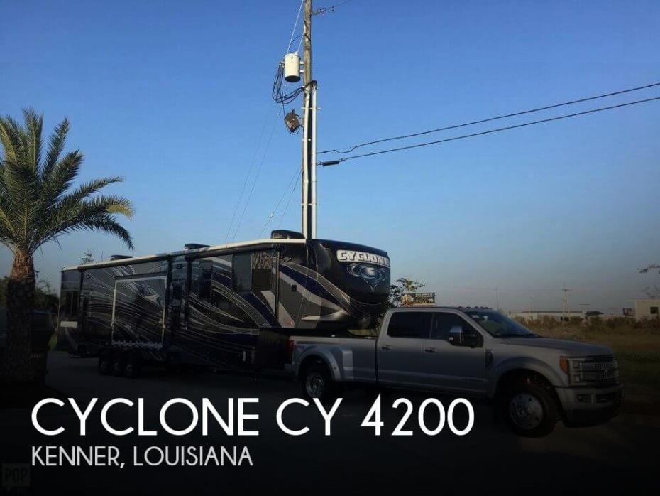 2015 Heartland Cyclone CY 4200