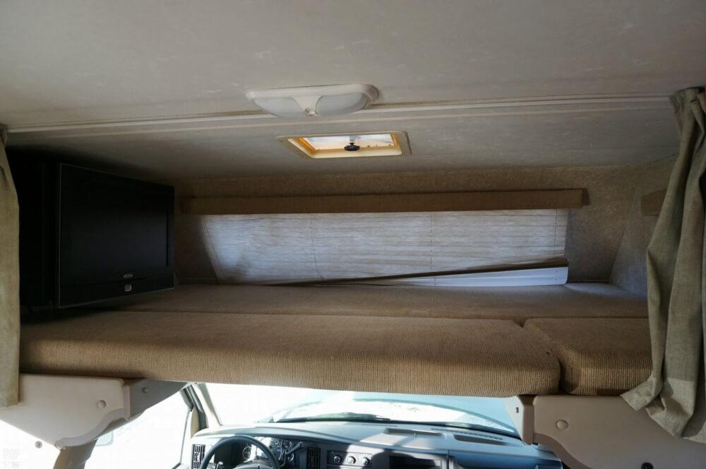 2009 Thor Motor Coach Four Winds 28A, 10