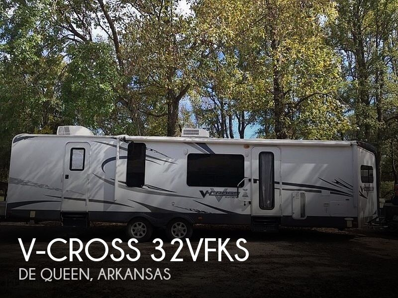 2013 Forest River V-Cross 32VFKS