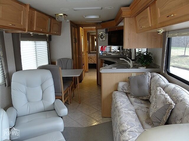 2003 National RV Tradewinds 7391 LTC