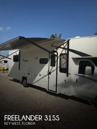 2010 Coachmen Freelander 31SS