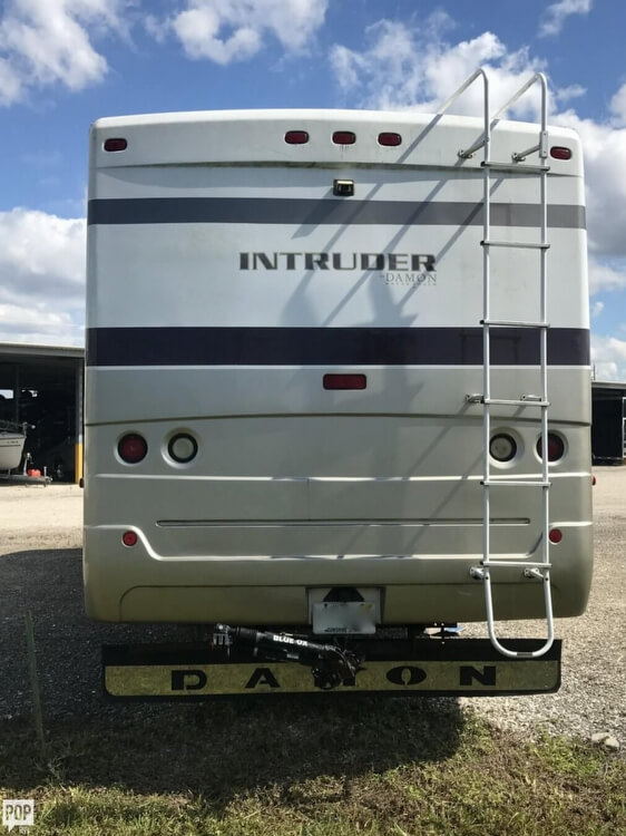 2002 Damon Intruder 36, 8