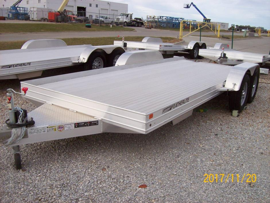 2017 Featherlite Trailers 3110-0017