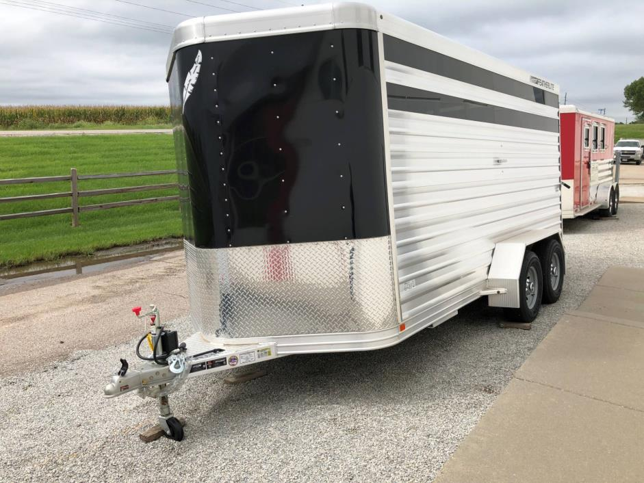 2018 Featherlite Trailers 8107-6716