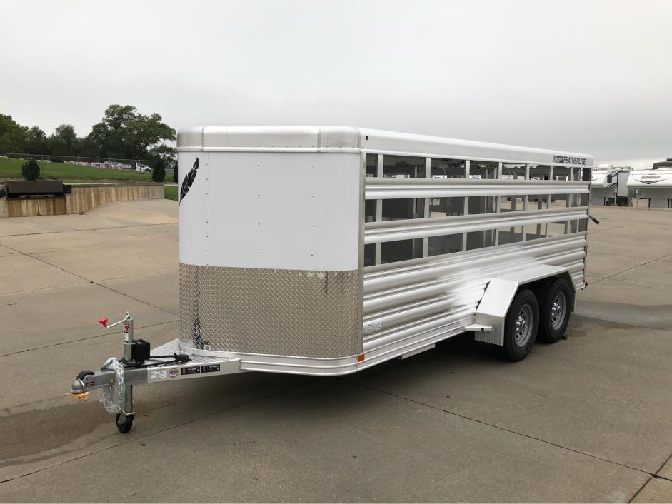 2019 Featherlite Trailers 8107-6716