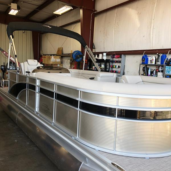2017 Sun Tracker PARTY BARGE 20 DLX 40 ELPT FOUR STROKE WITH TRAILER