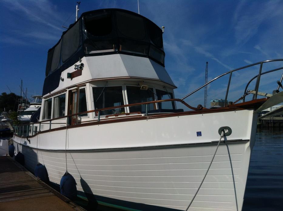 1997 Mainship 350/390 Trawler