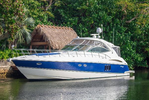 1999 Sabreline Motor Yacht