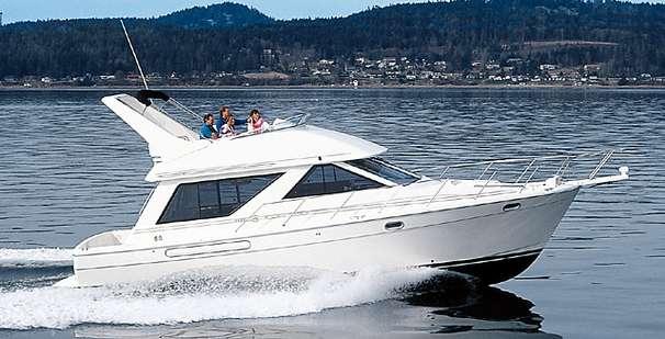 2002 Carver Yacht