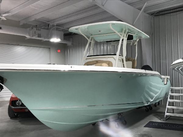 2019 Sportsman Boats Open 252 Center Console